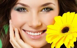 Фото девушки с ровными зубами