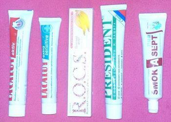 Зубные пасты для чистки зубов