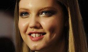Щель между передними зубами, почему появляется щербинка, способы лечения промежутка