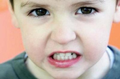 Причины скрежета зубами у детей