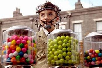 Нельзя есть конфеты с брекетами