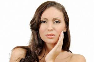 Почему болит зуб под пломбой, домашние методы лечения и помощь стоматолога