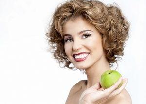 Чем отбелить зубы в домашних условиях: эффективные средства