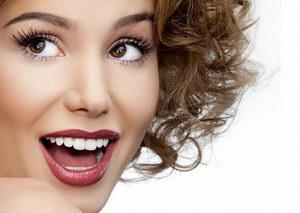 Как отбеливать зубы: рецепты народной медицины, процедуры у стоматолога