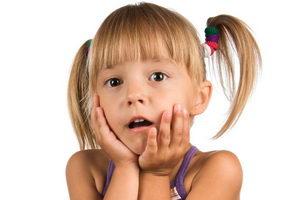 Черный налет на молочных зубах