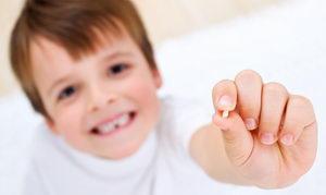 Нужно ли лечить молочные зубы: ответ доктора