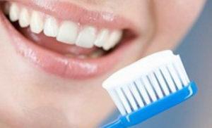 Паста для отбеливания зубов: состав, рекомендации по использованию