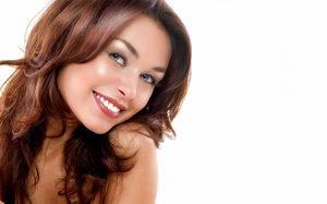 Вред отбеливания зубов, противопоказания, польза