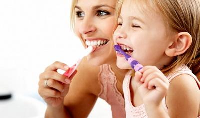 Регулярная чистка для отбеливания зубов
