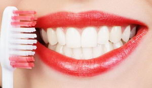 Чистка зубов в домашних условиях: трудности, техника