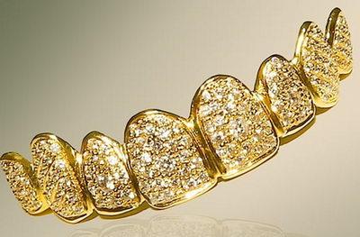 Грилзы из бриллиантов и золота