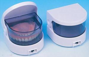 Как выбрать контейнер для зубных протезов?