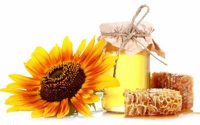 Мед с сотами - полезный для зубов продукт