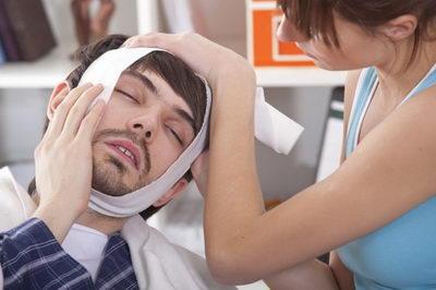 Как справиться с сильной зубной болью?