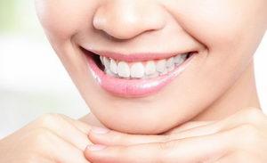 Безопасно ли отбеливание зубов или нет?