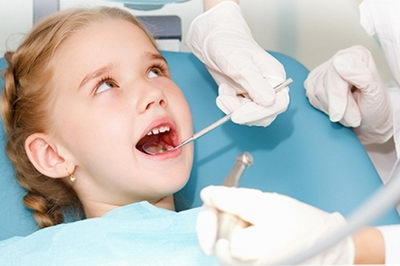 Чернеет зуб - что делать?